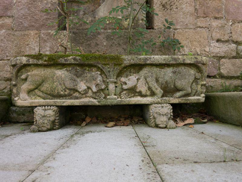 Jardineras de piedra natural jardinera de piedra para for Jardineras de piedra natural